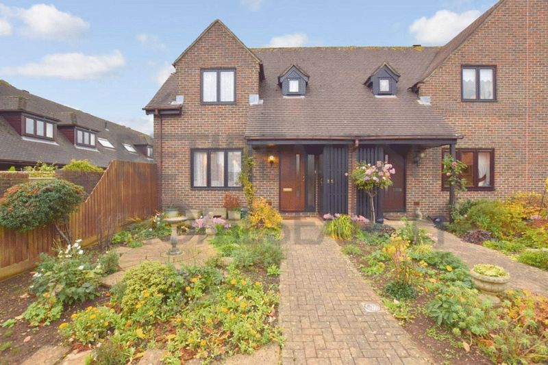 2 Bedrooms Property for sale in Courville close, Alveston, BS35 3RR