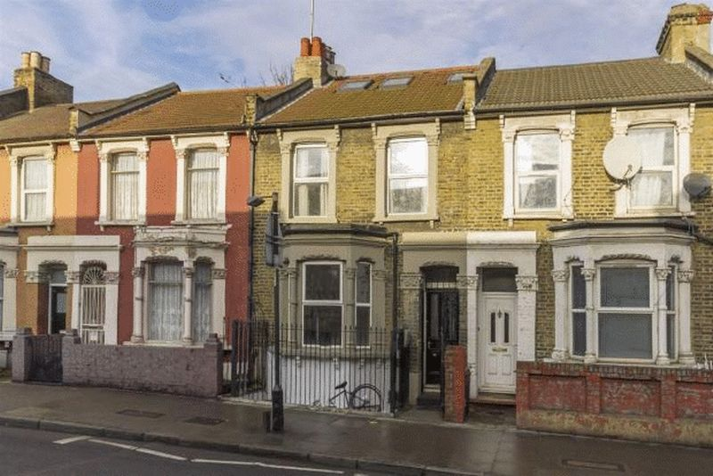 3 Bedrooms Property for sale in Homerton High Street, London E9