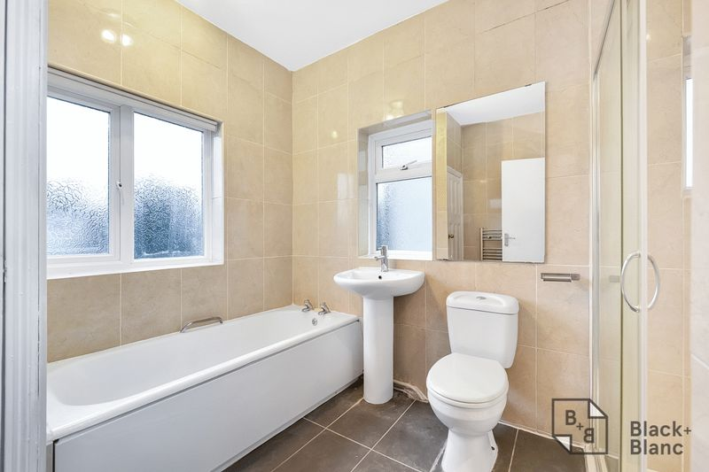 5 bedrooms House for sale in Croydon | Estate Agents in Wimbledon and Croydon.