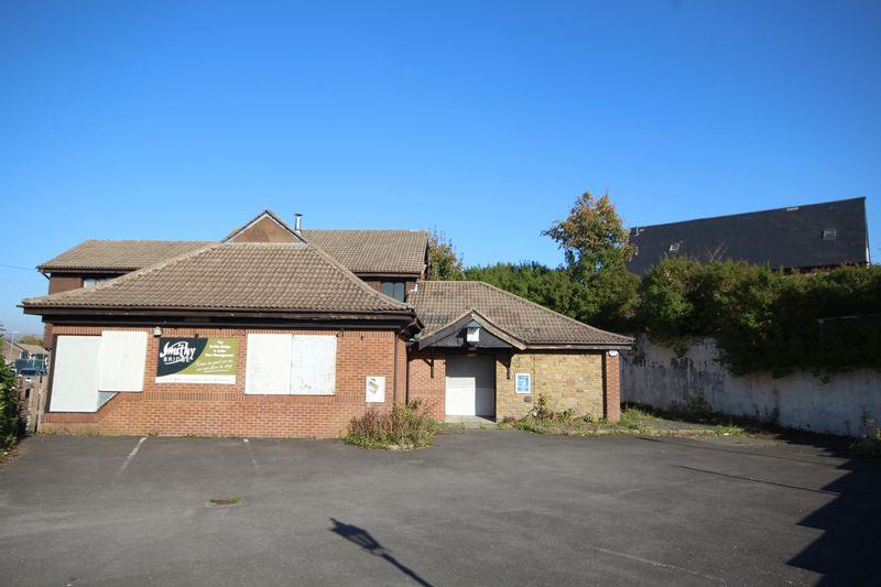 4 Bedrooms Property for sale in SMITHY BRIDGE ROAD, Smithy Bridge, Littleborough OL15 0DY