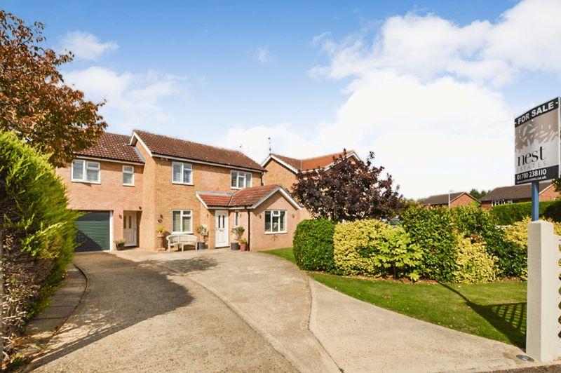 4 Bedrooms Property for sale in Oak Road, Stamford