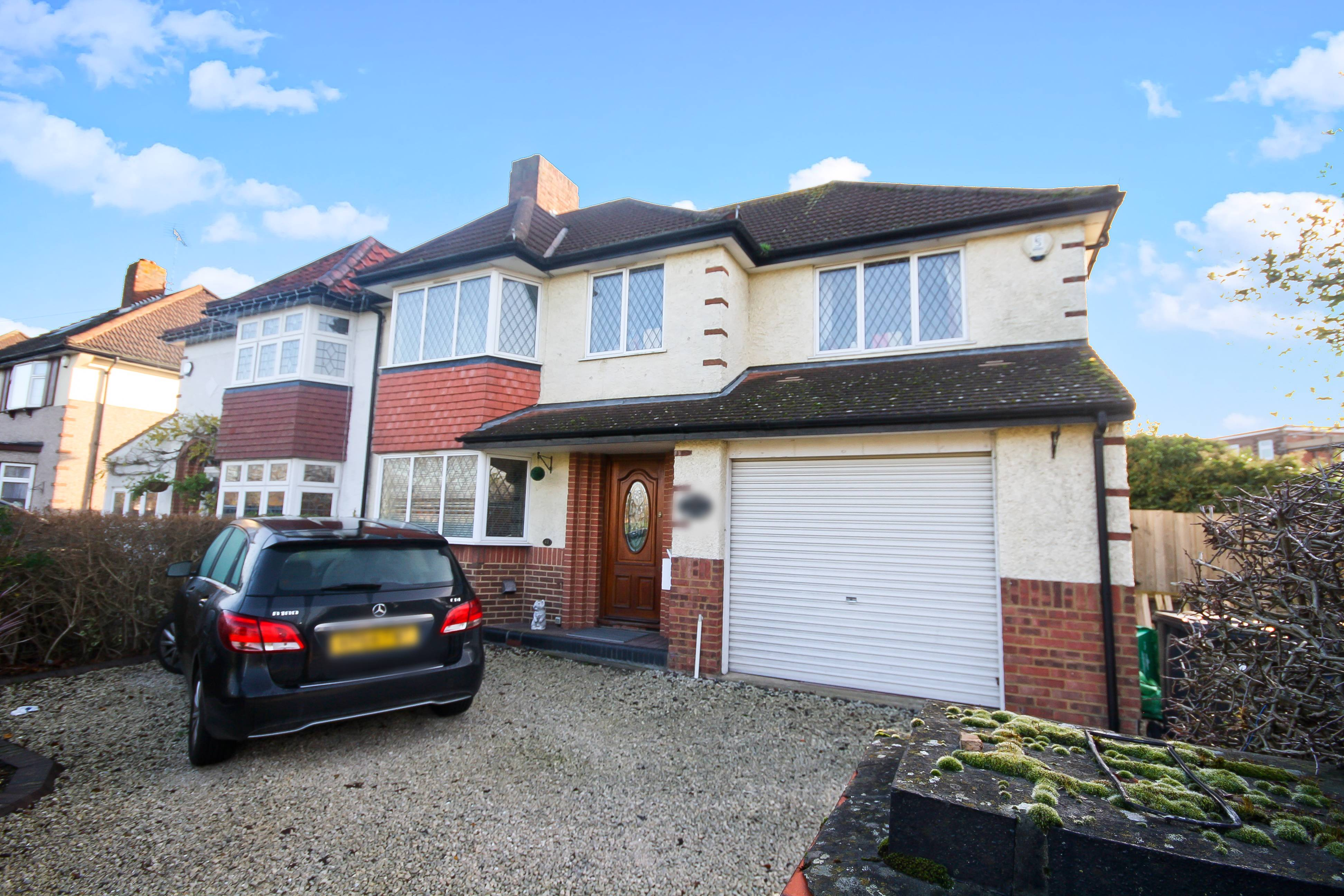 4 Bedrooms Property for sale in Hawtrey Avenue, Northolt