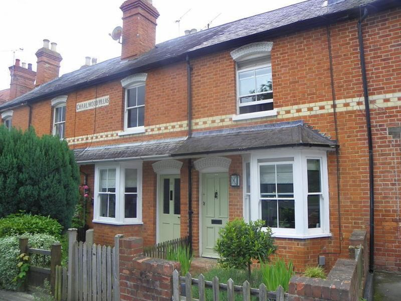 2 Bedrooms Property for sale in Ruscombe Road, Twyford