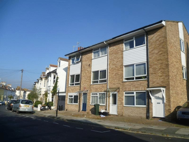 Warleigh Road, Brighton property to let in London Road, Brighton by Coapt
