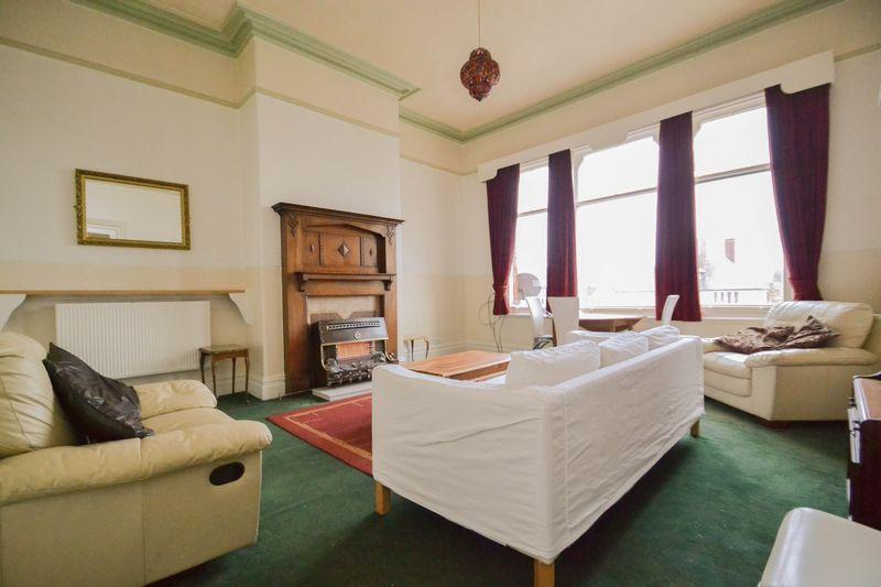 Apartment 6- Lounge