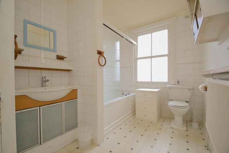 Apartment 6- Bathroom